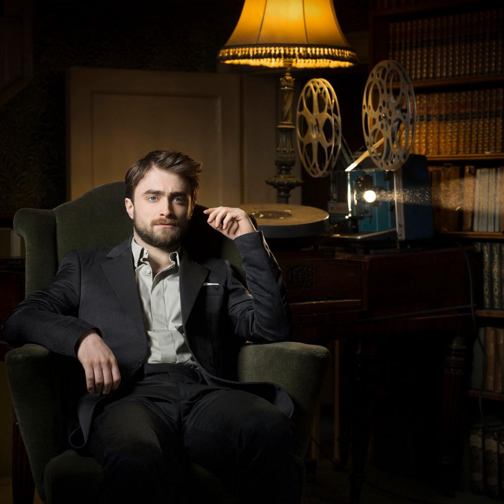 нас фото респектабельного мужчины сидящего в кресле стоянки, мол, приехали