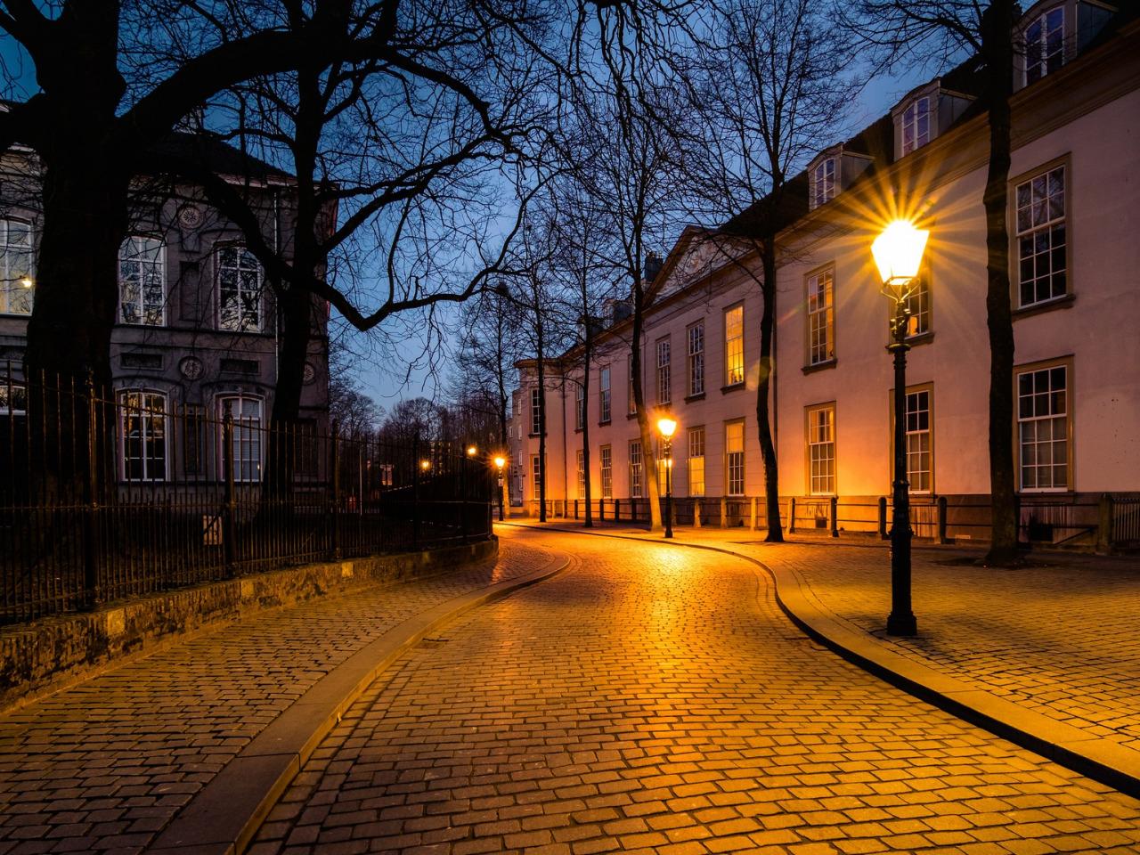 Картинки улица с фонарями