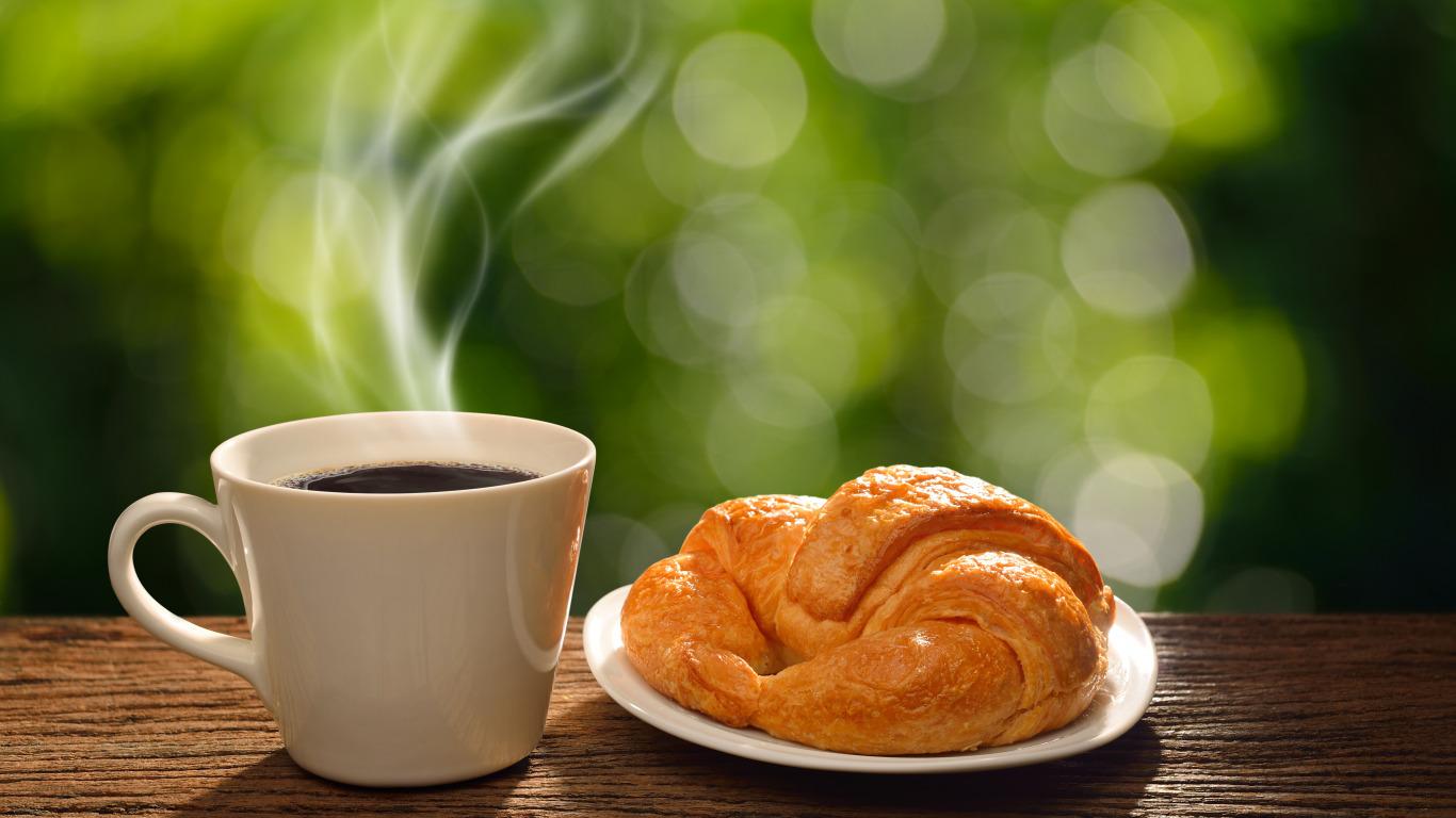 https://img4.goodfon.ru/original/1366x768/4/a5/breakfast-coffee-cup-zavtrak-good-morning-hot-kofe-chashka-k.jpg