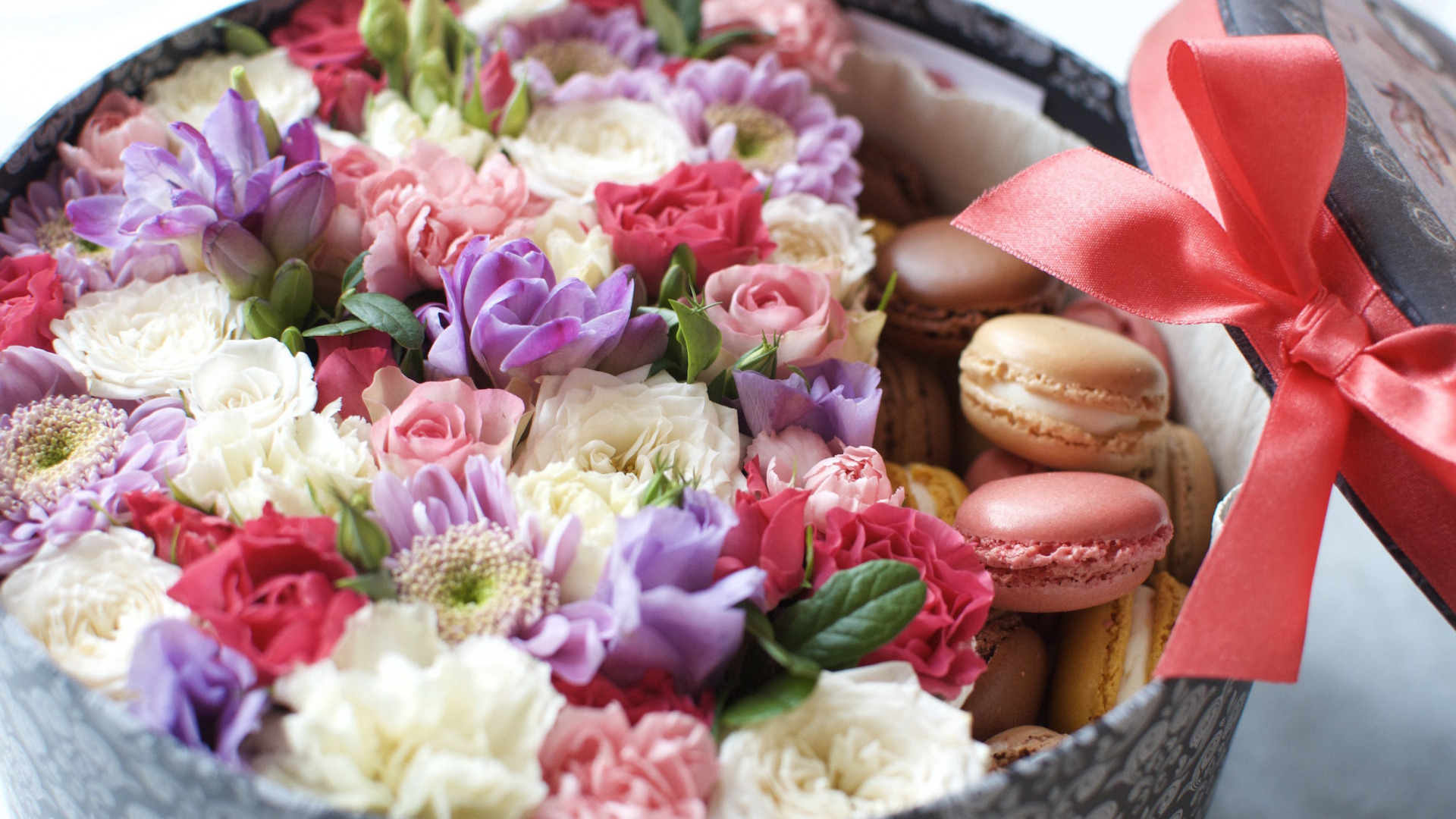 Фото цветы с макарунами