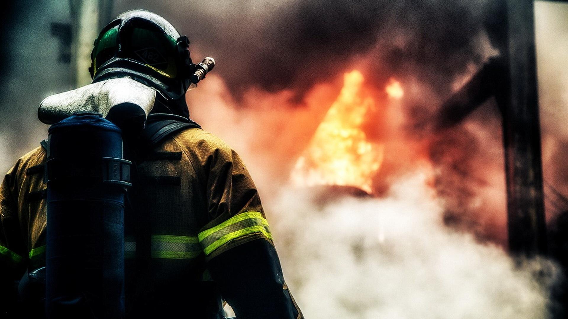 Прикольные картинки с пожарными на рабочий стол