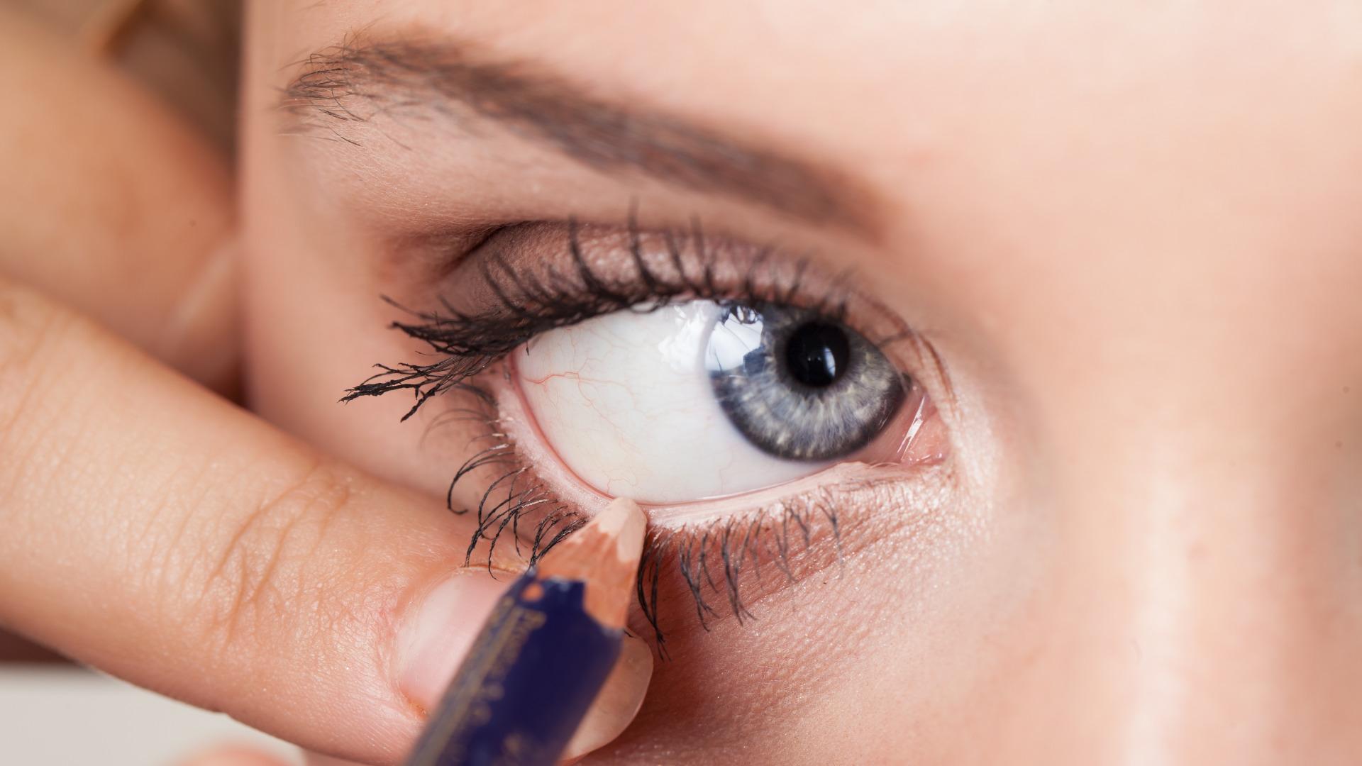 Как с помощью карандаша сделать глаза