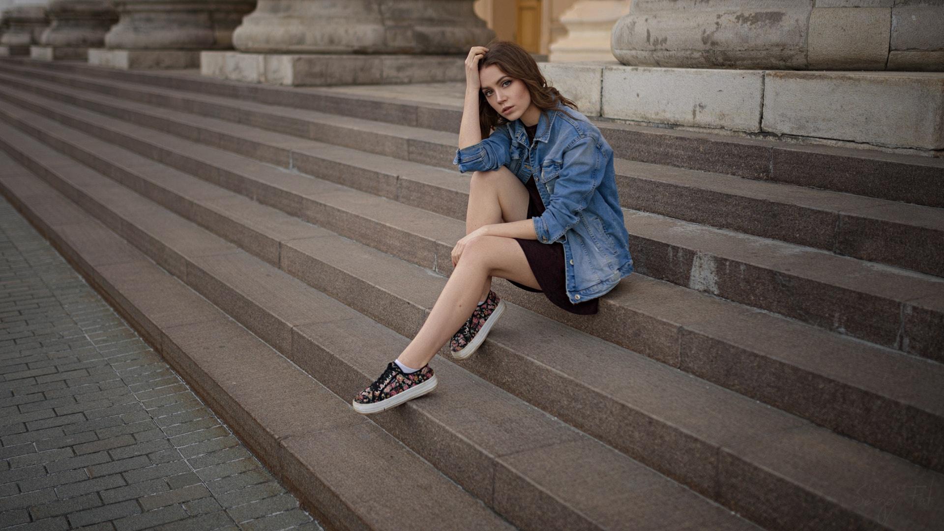 Трахнул на ступеньках, Мимолетный секс на лестнице » Порно онлайн в хорошем 14 фотография