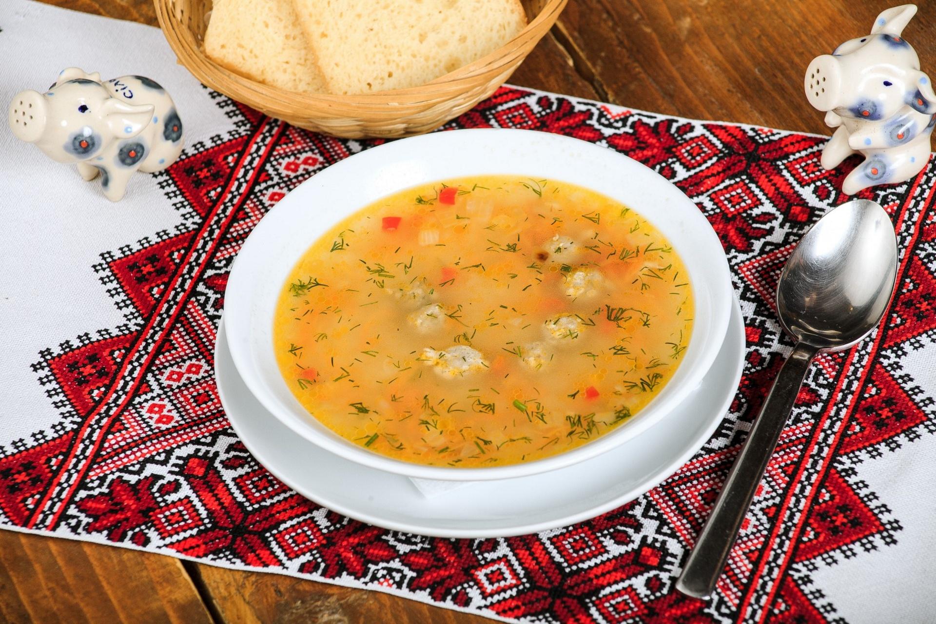 Картинка суп в тарелке
