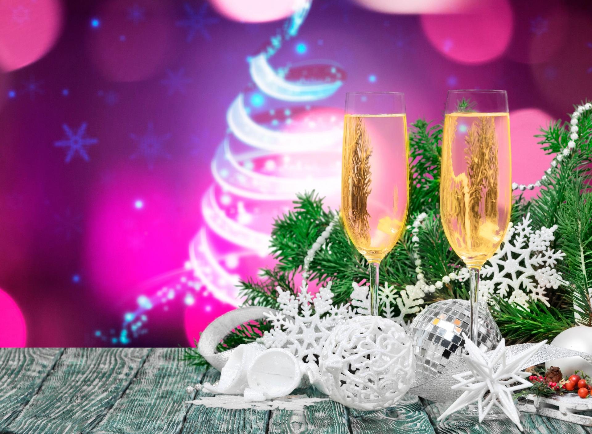 Картинки бокалы шампанского на новый год