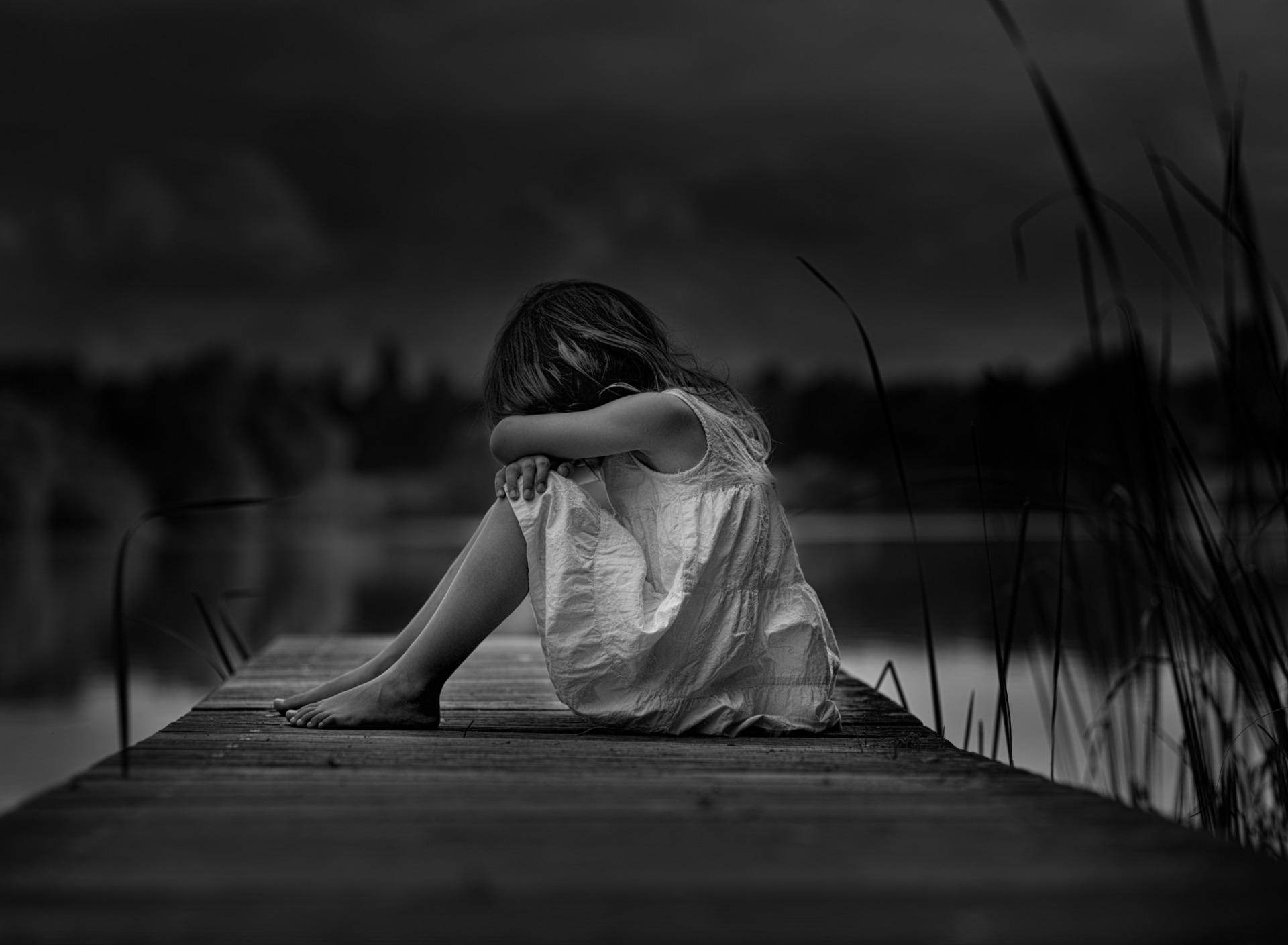Картинки грустное настроение девушки