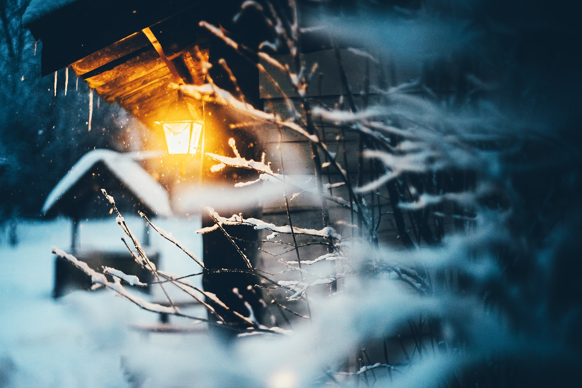 горы дом снег фонарь  № 147852 загрузить