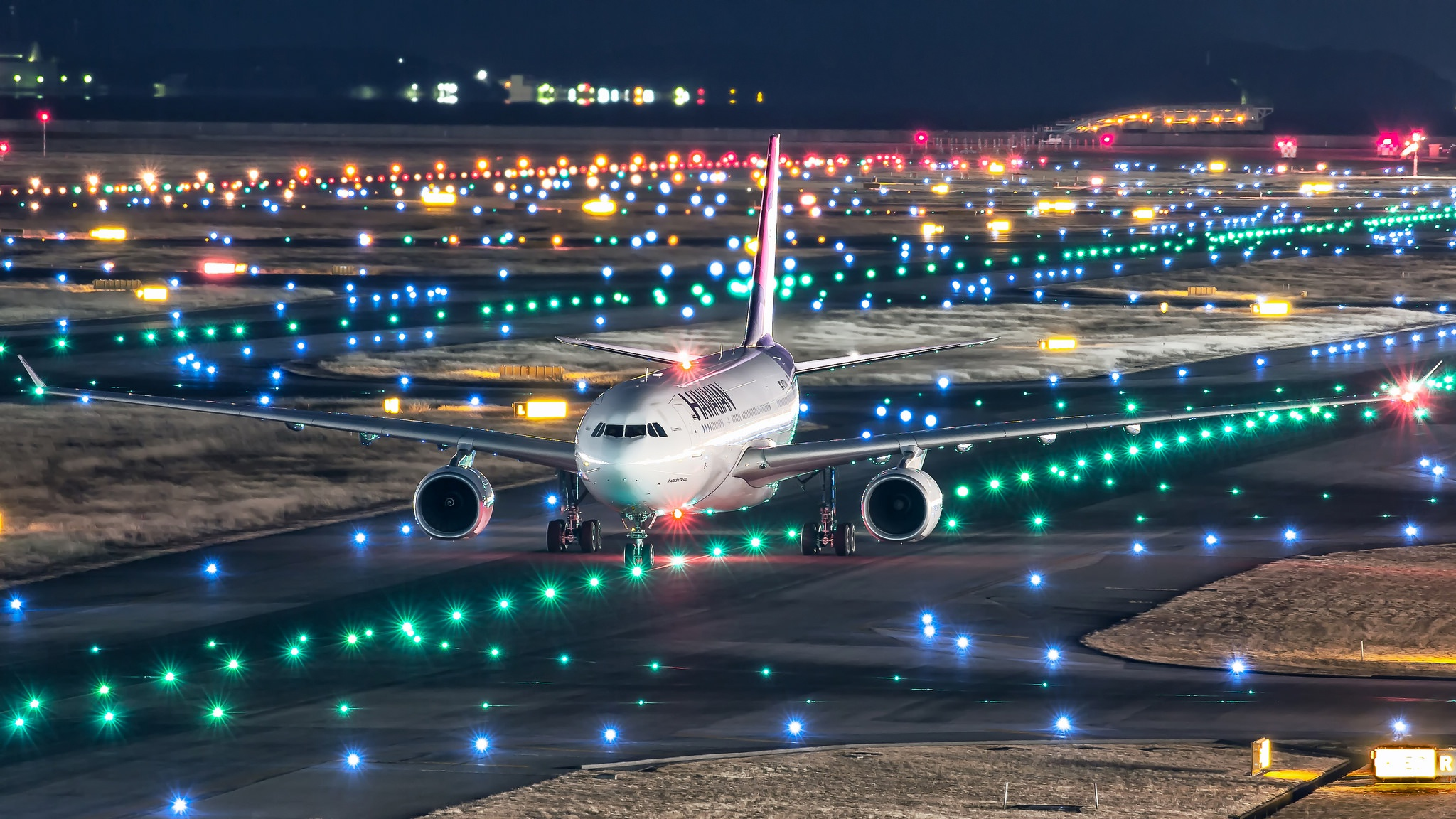 самолет ночи фото