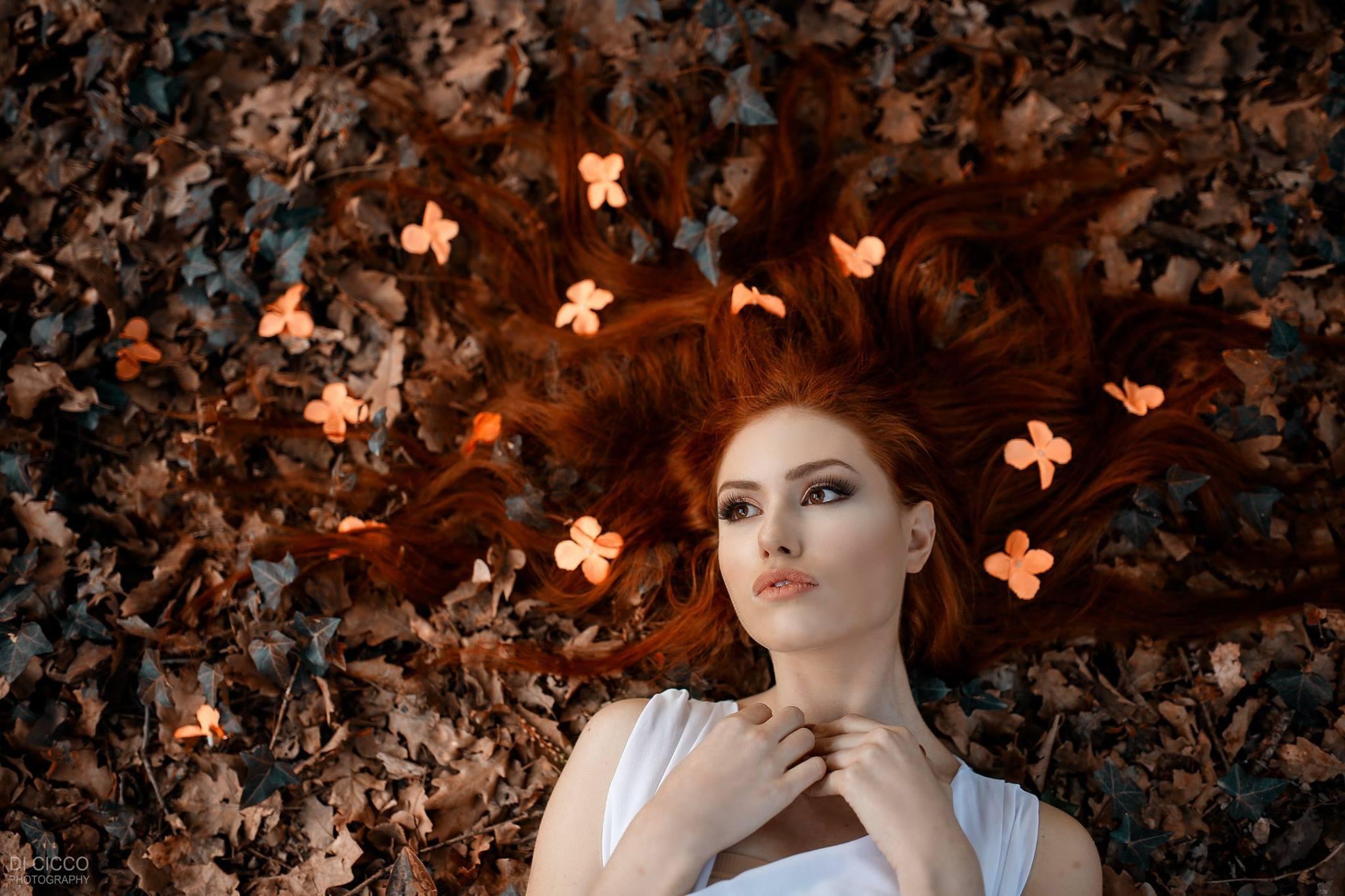 картинки листья в волосах отметить чуткую