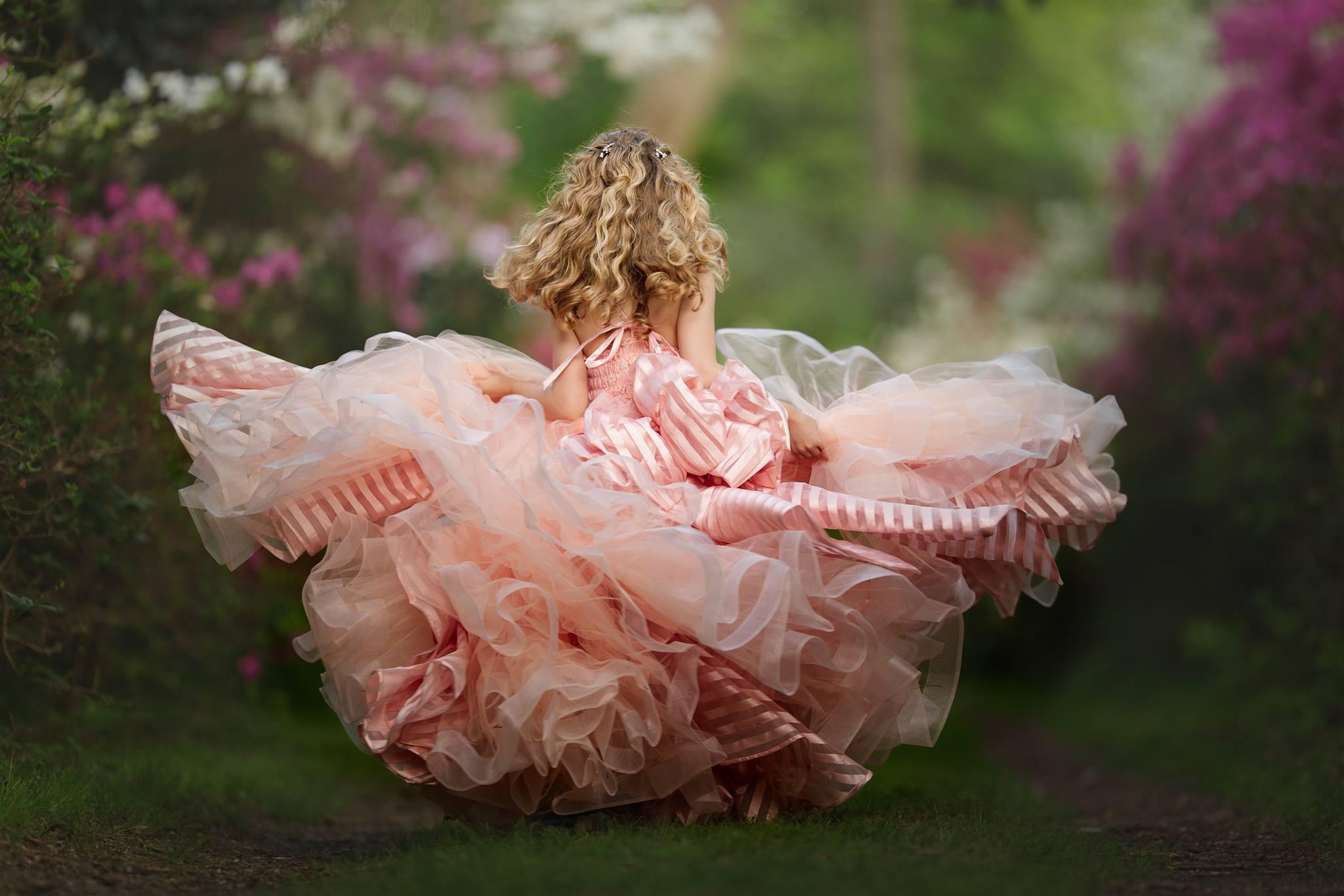 Картинки девочки в пышных платьях