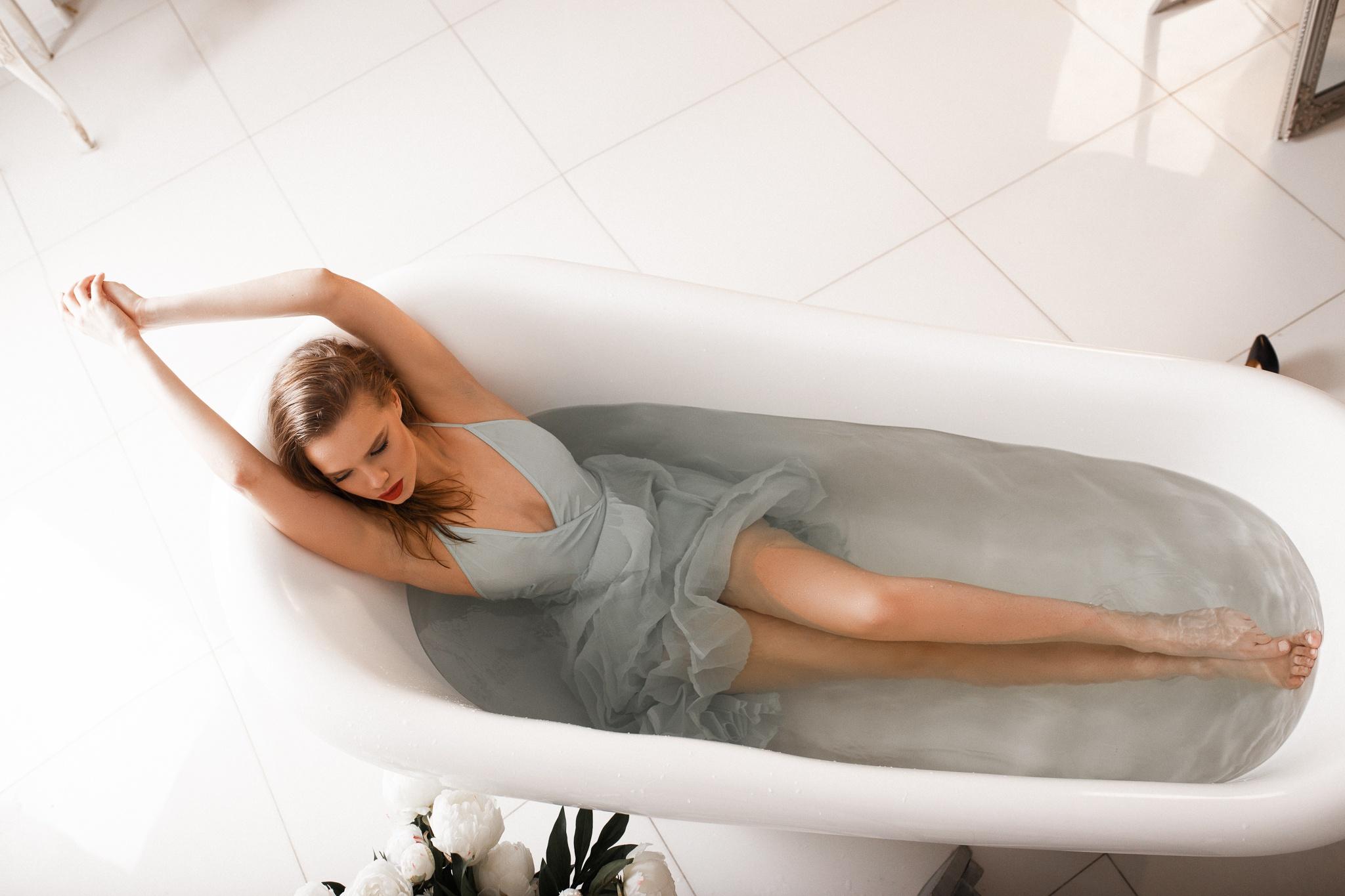 Девушки на ванне #14