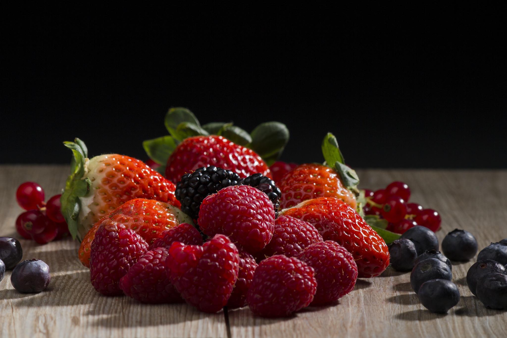 Картинки фруктов и ягод на рабочий стол, днем