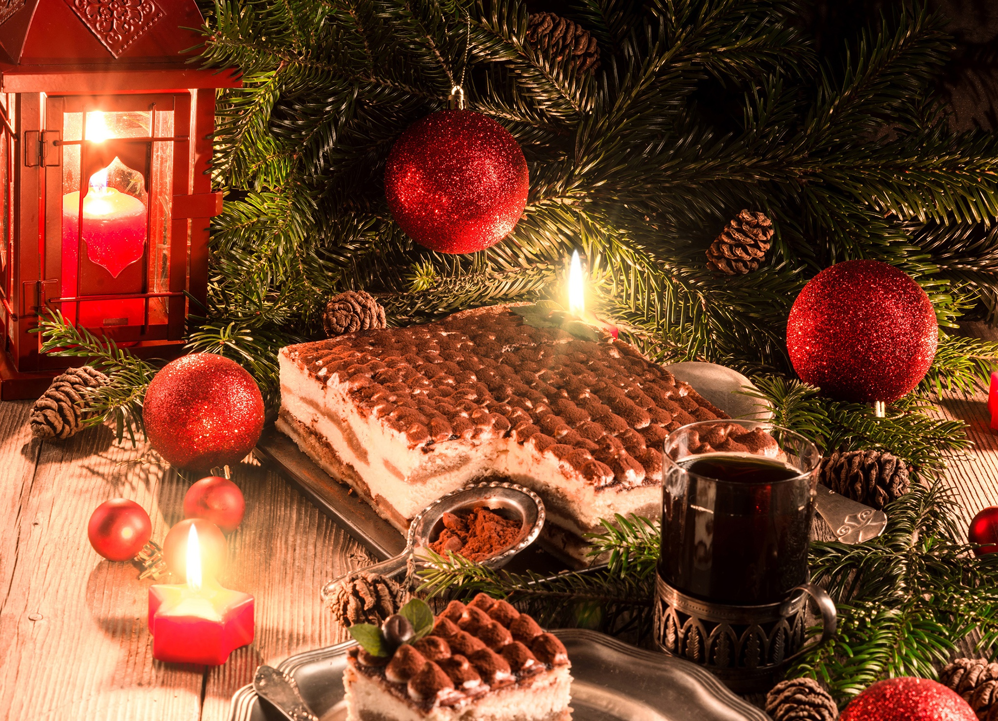 Картинки новогодний стол и елка