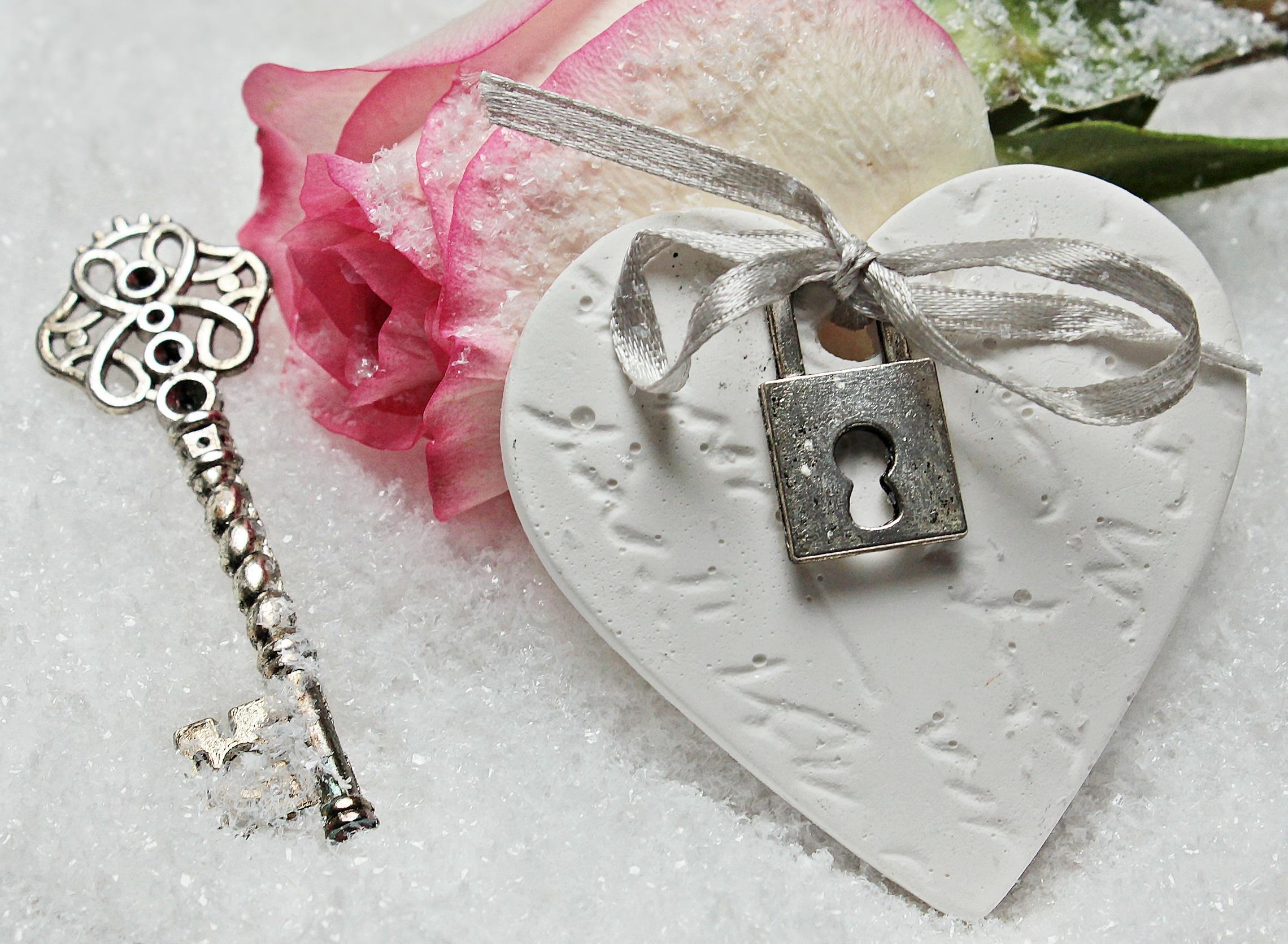 Сердце с ключом открытки, для открыток февраля
