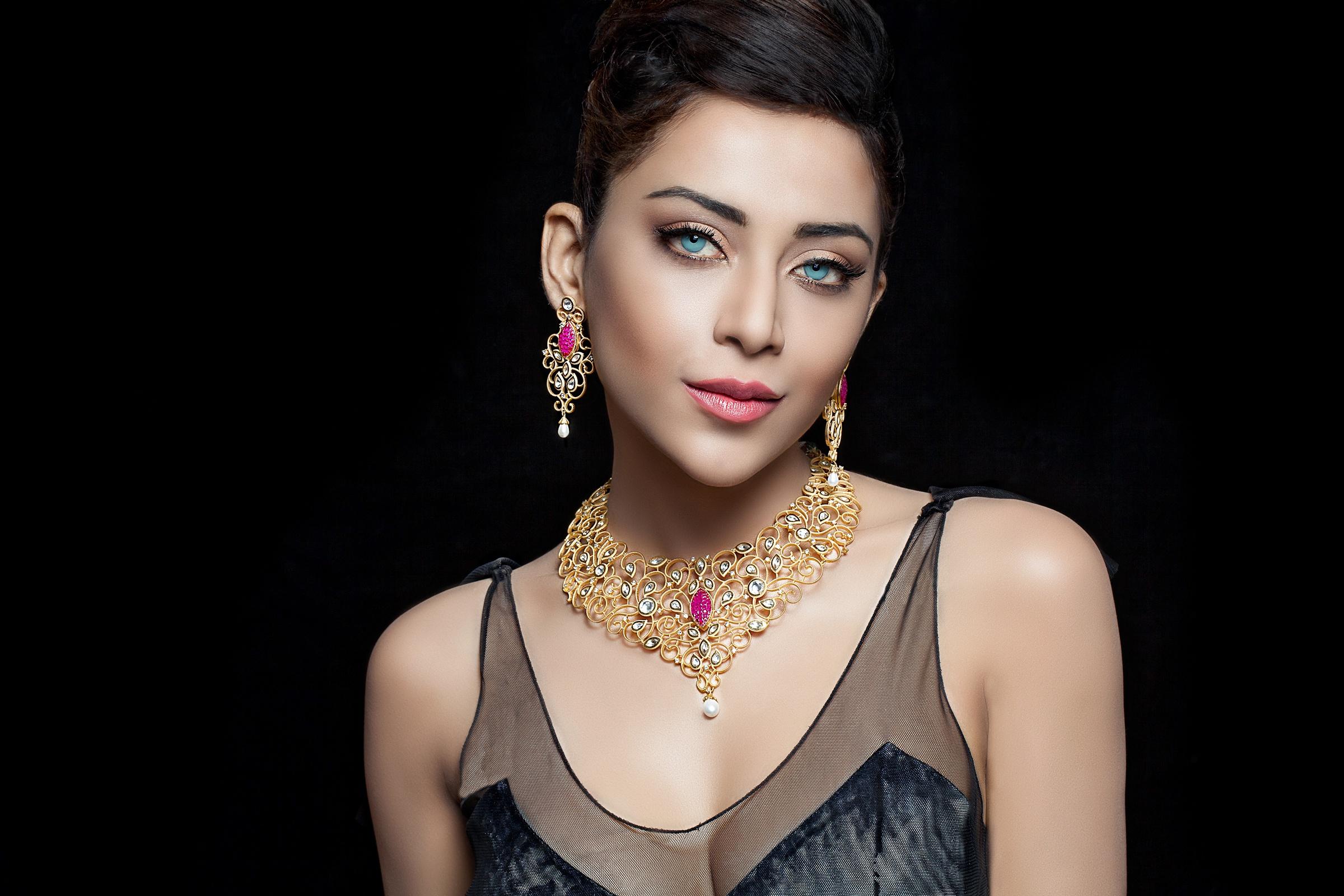 jewellery-by-sexy-girls-nude-women-slive