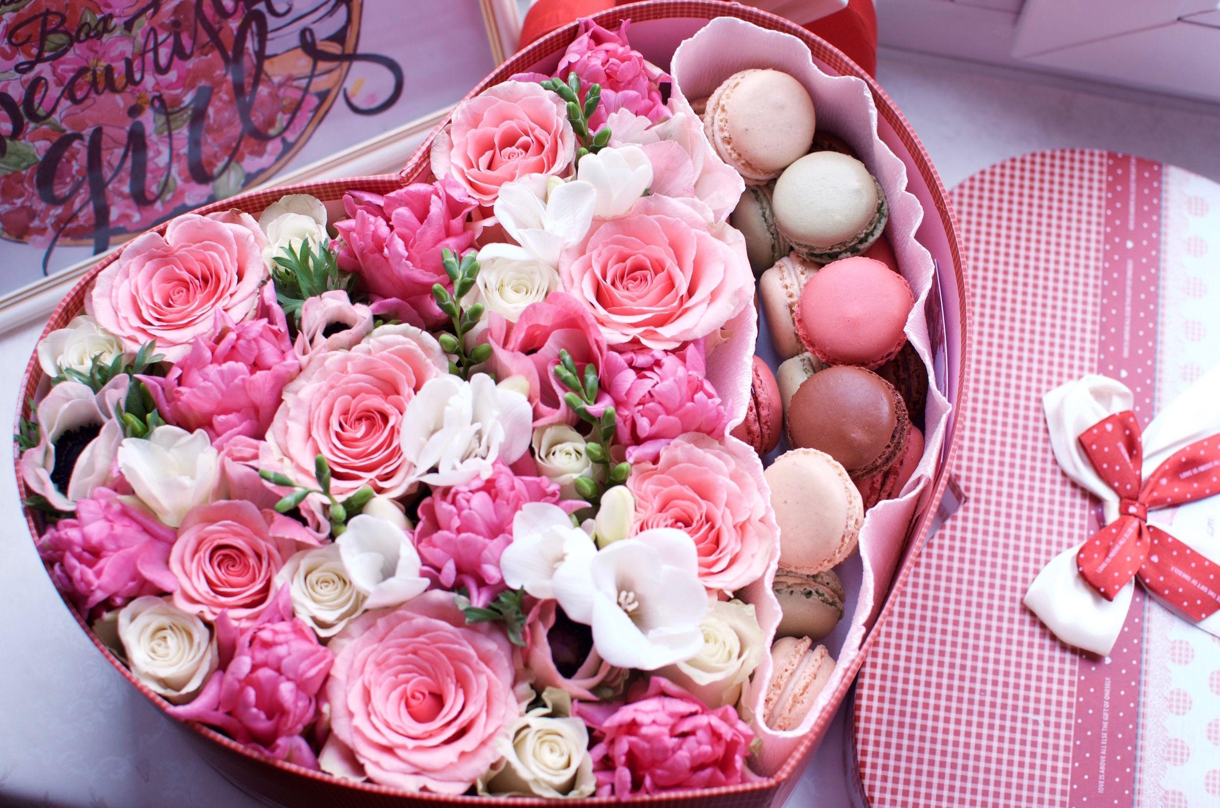 Открытки логотипом, открытка с пионами и розами на день рождения