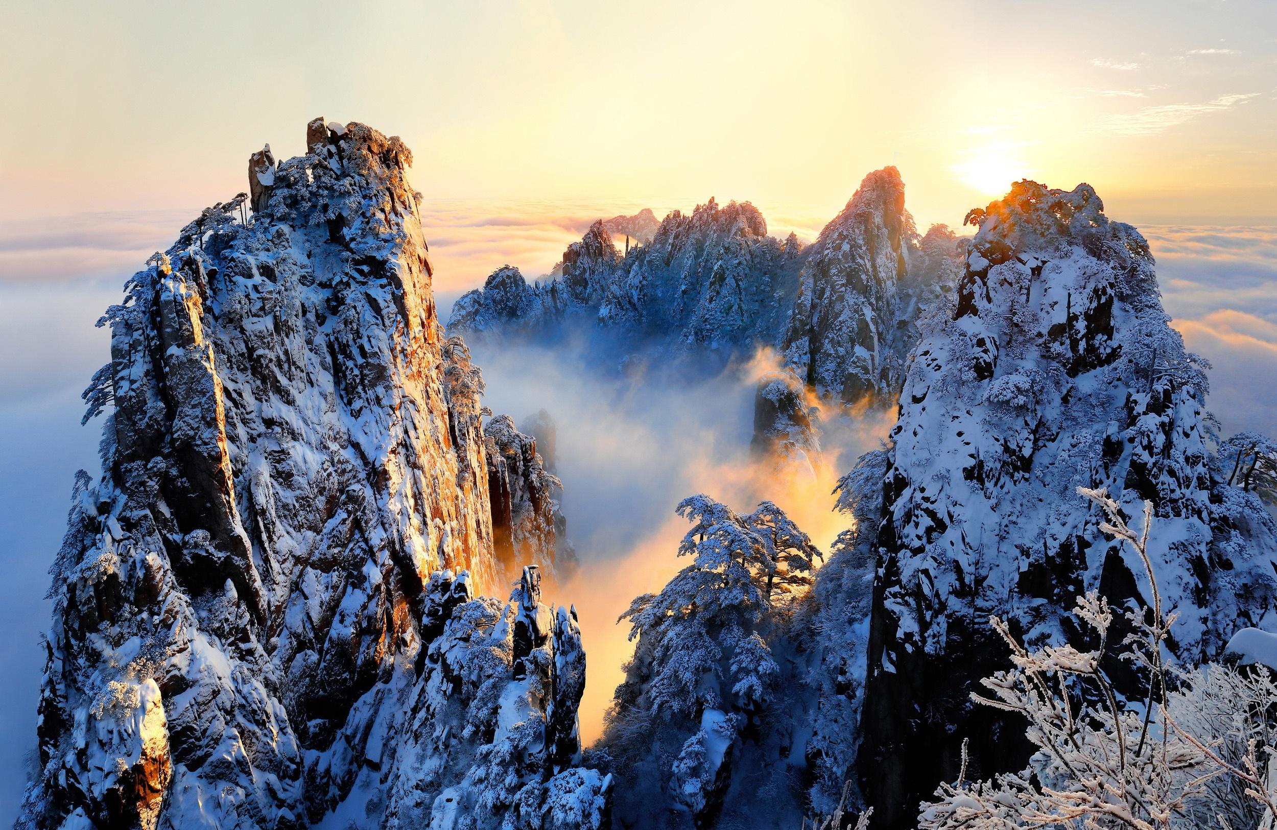 природа зима снег горы скалы деревья  № 2781149 загрузить