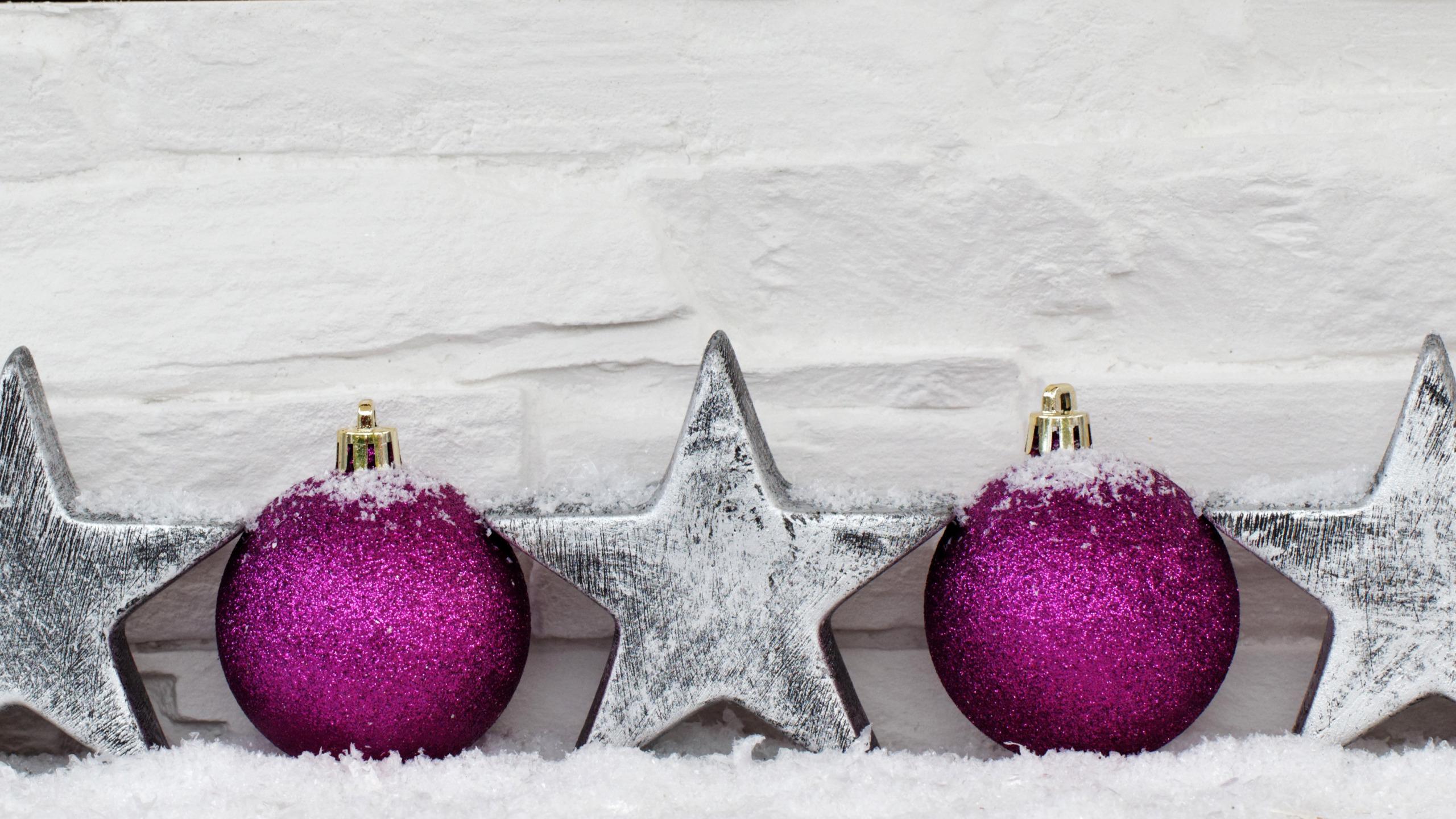 стильная картинка с новым годом фиолетовая и серая которым нравятся сексапильные