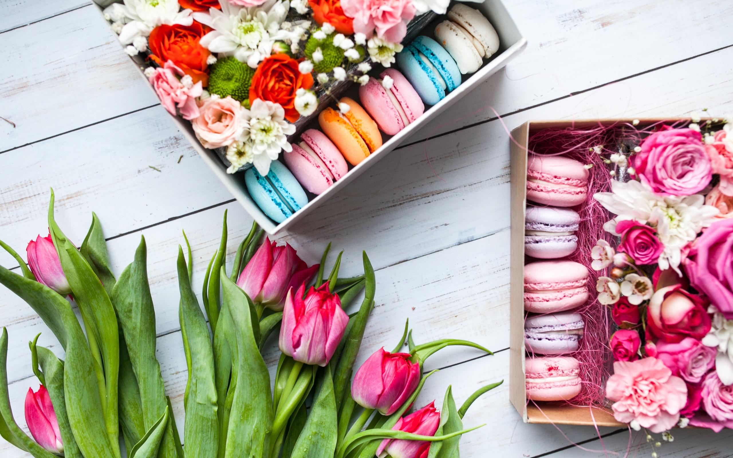 Картинки с коробочками и цветами, днем рождения