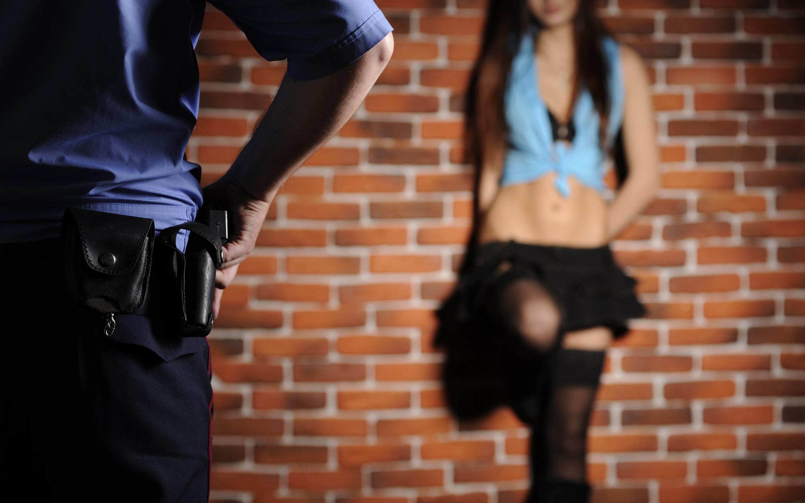 Проститутка полиция фото снять проститутку в батайске