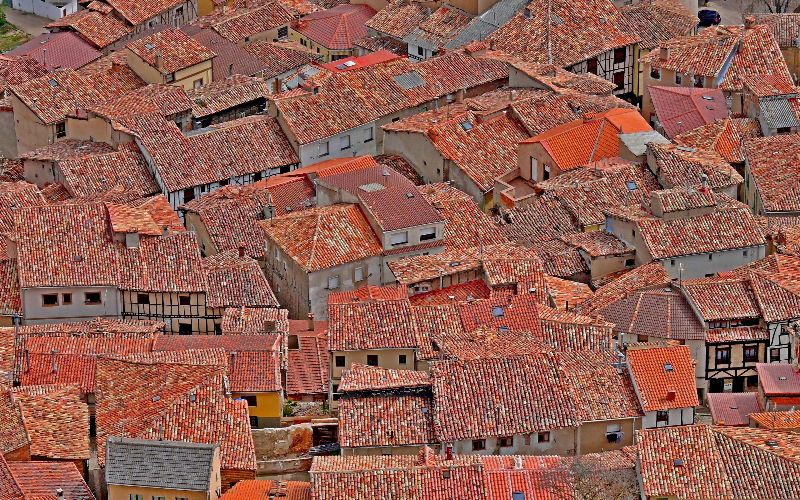 изучения фото на рабочий стол крыши домов ловят