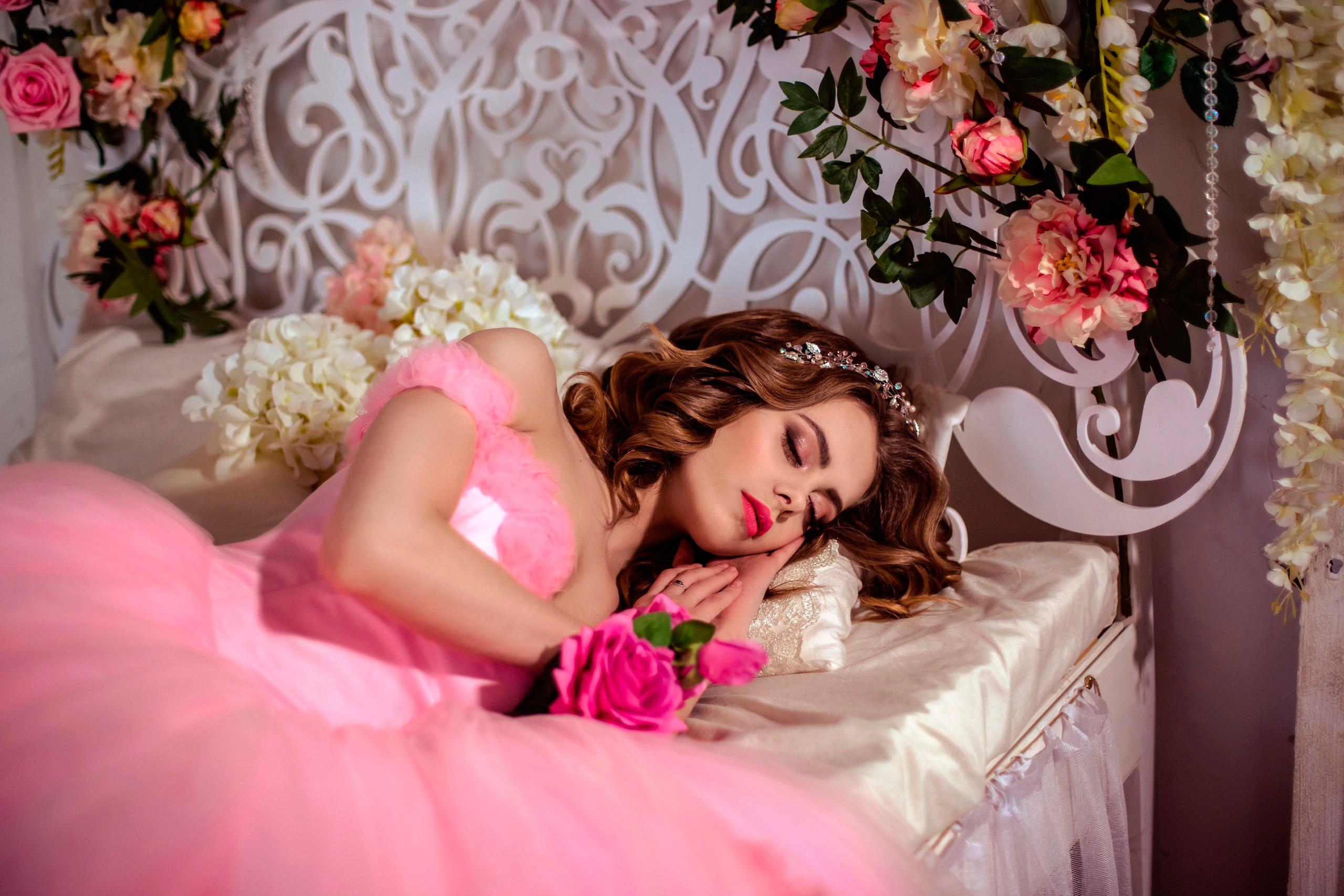 активного производства сон девушка с цветами работа кондитера Таганроге
