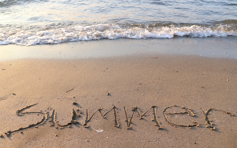 Картинка с надписью отпуск лето, аппликацией дню
