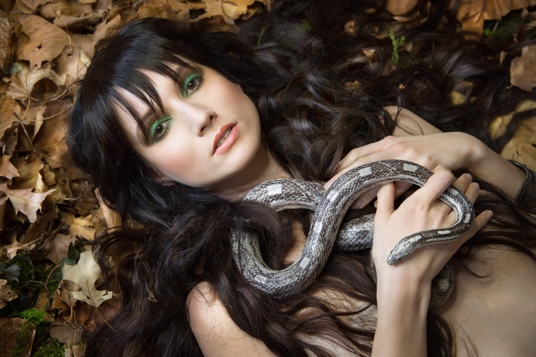 Женщина змей картинки