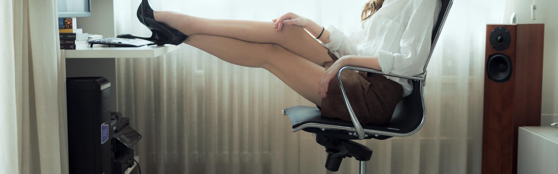 razdvigayut-nogi-pered-ginekologom-foto-seksualnie-vedmochki-foto