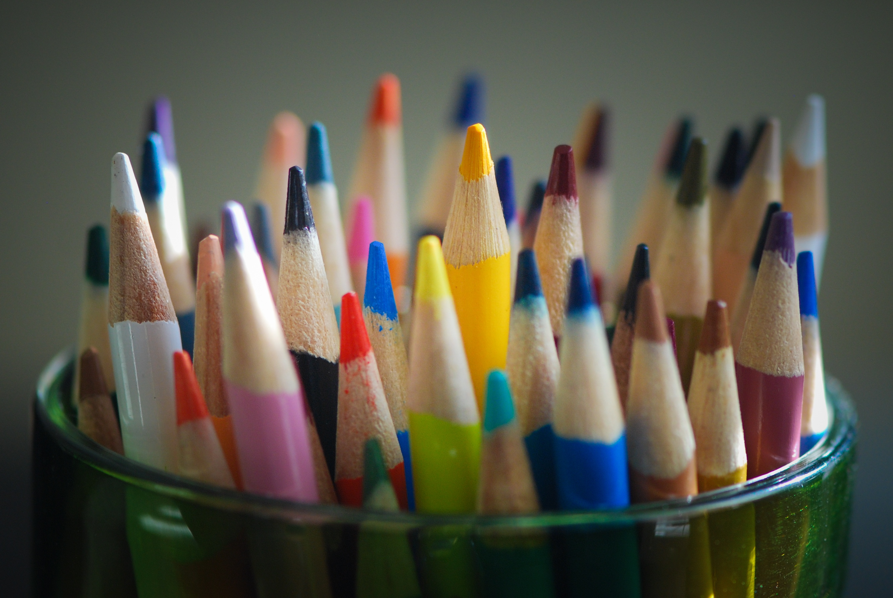 Стакан с карандашами фото