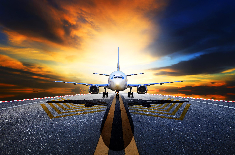 картинки с самолетами на взлетной полосе