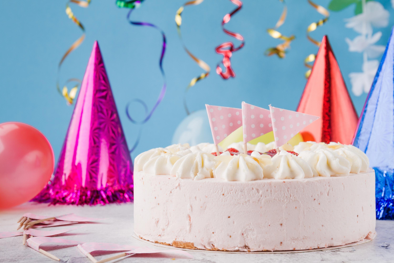 Праздничные торты на день рождения картинки