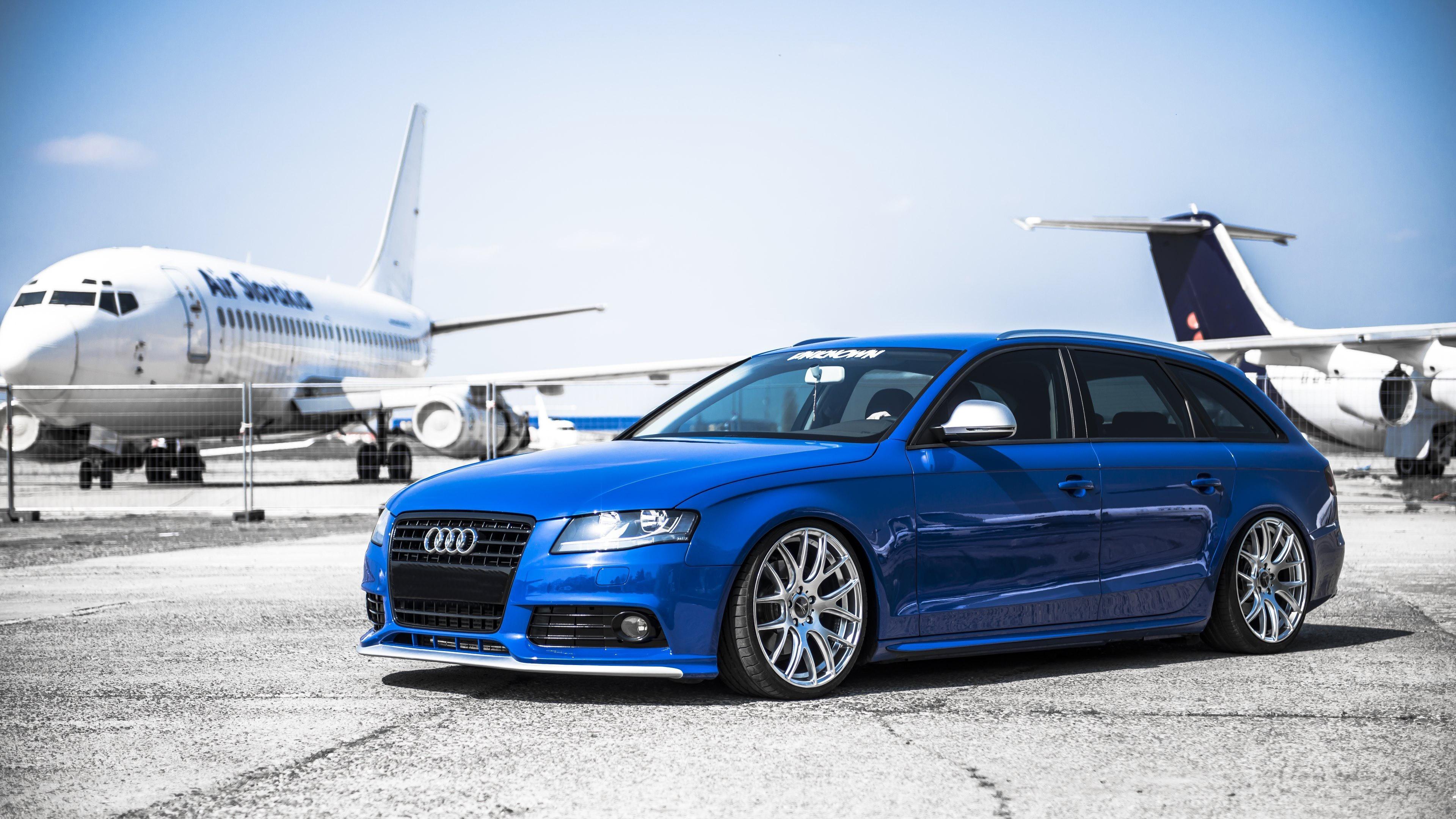 голубая Audi  № 2421709  скачать