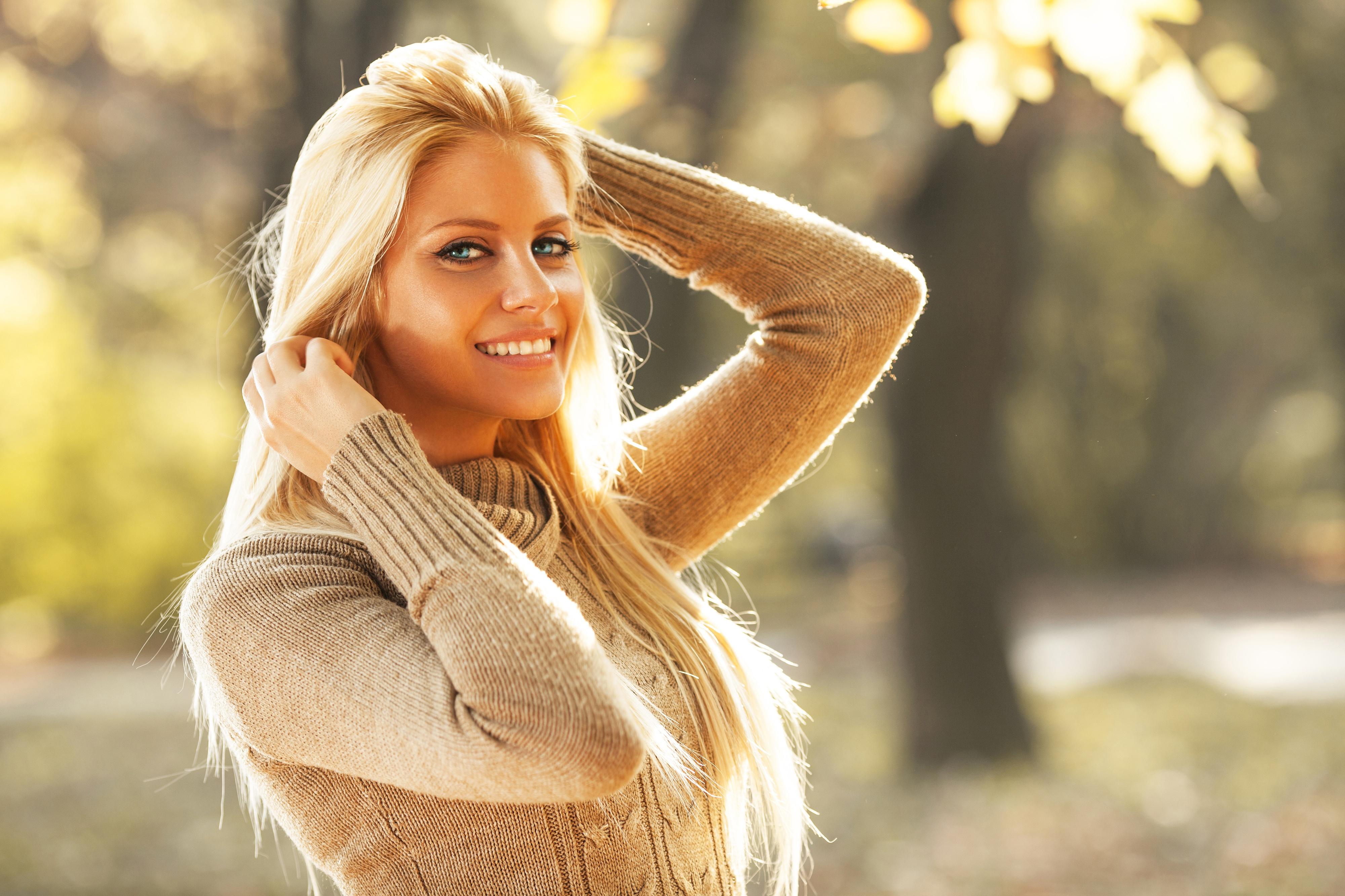 Красивая девушка блондинка фотосессия