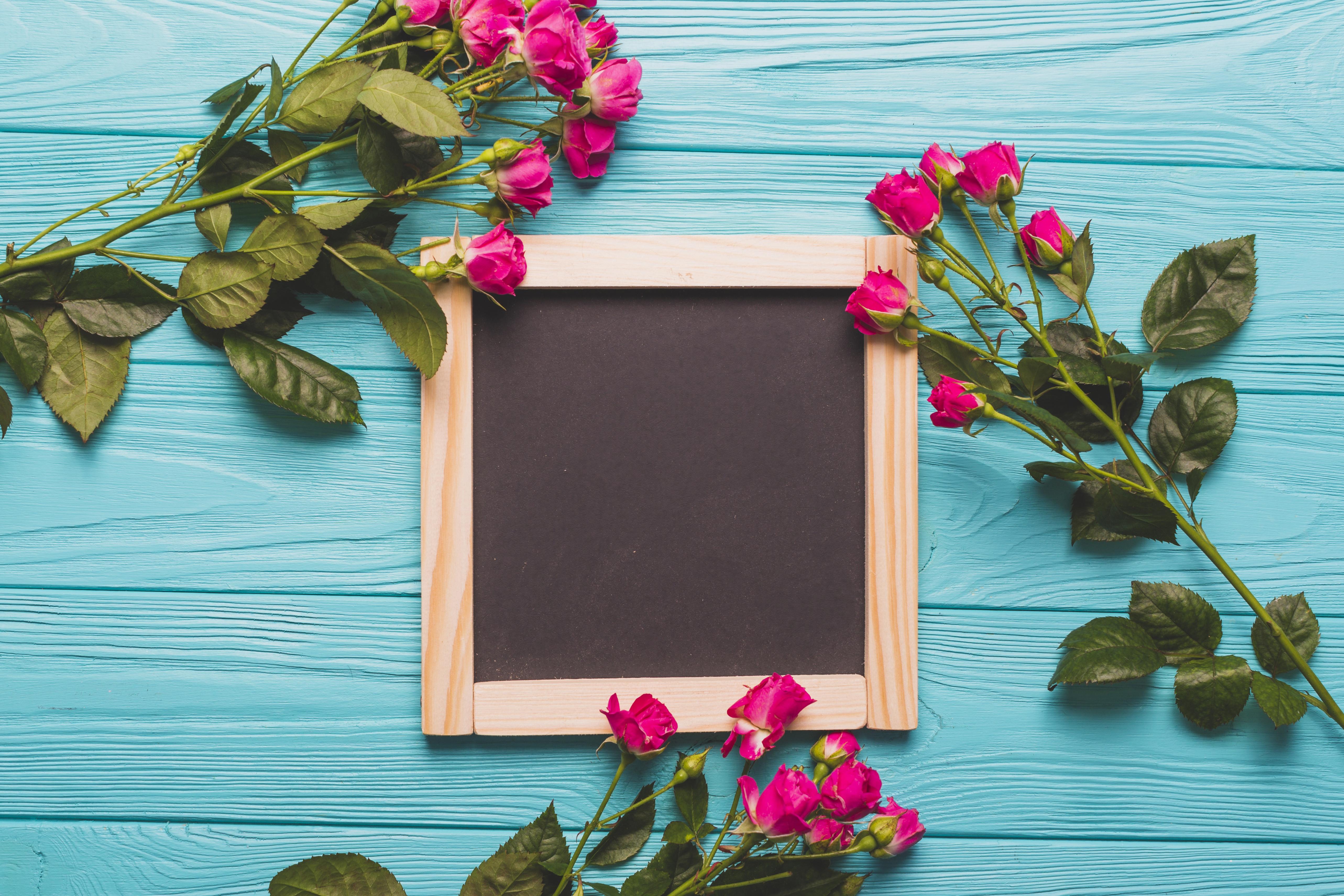 Вписать поздравления, картинки с цветами на фоне досок