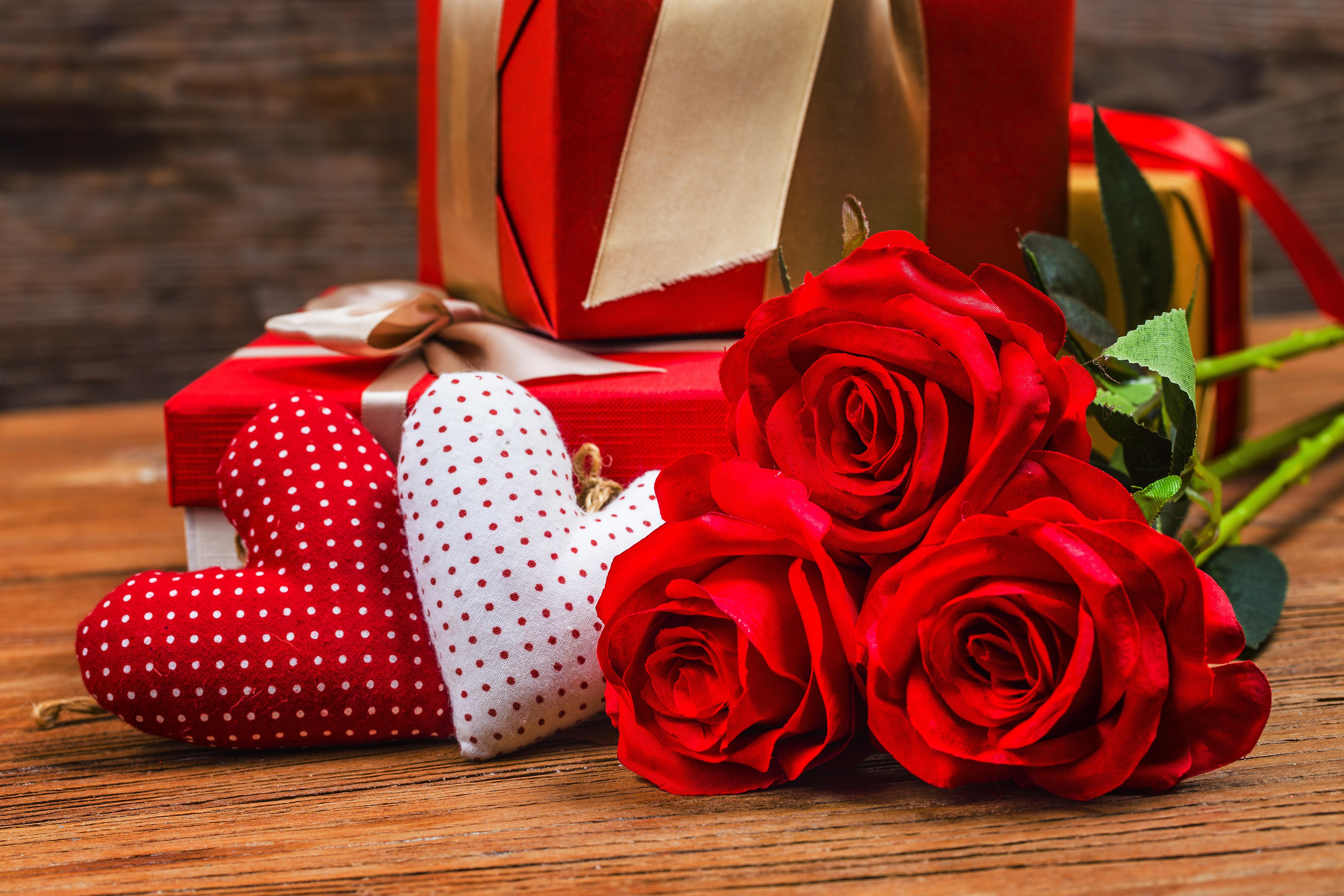 Опт, цветы и подарки на 14