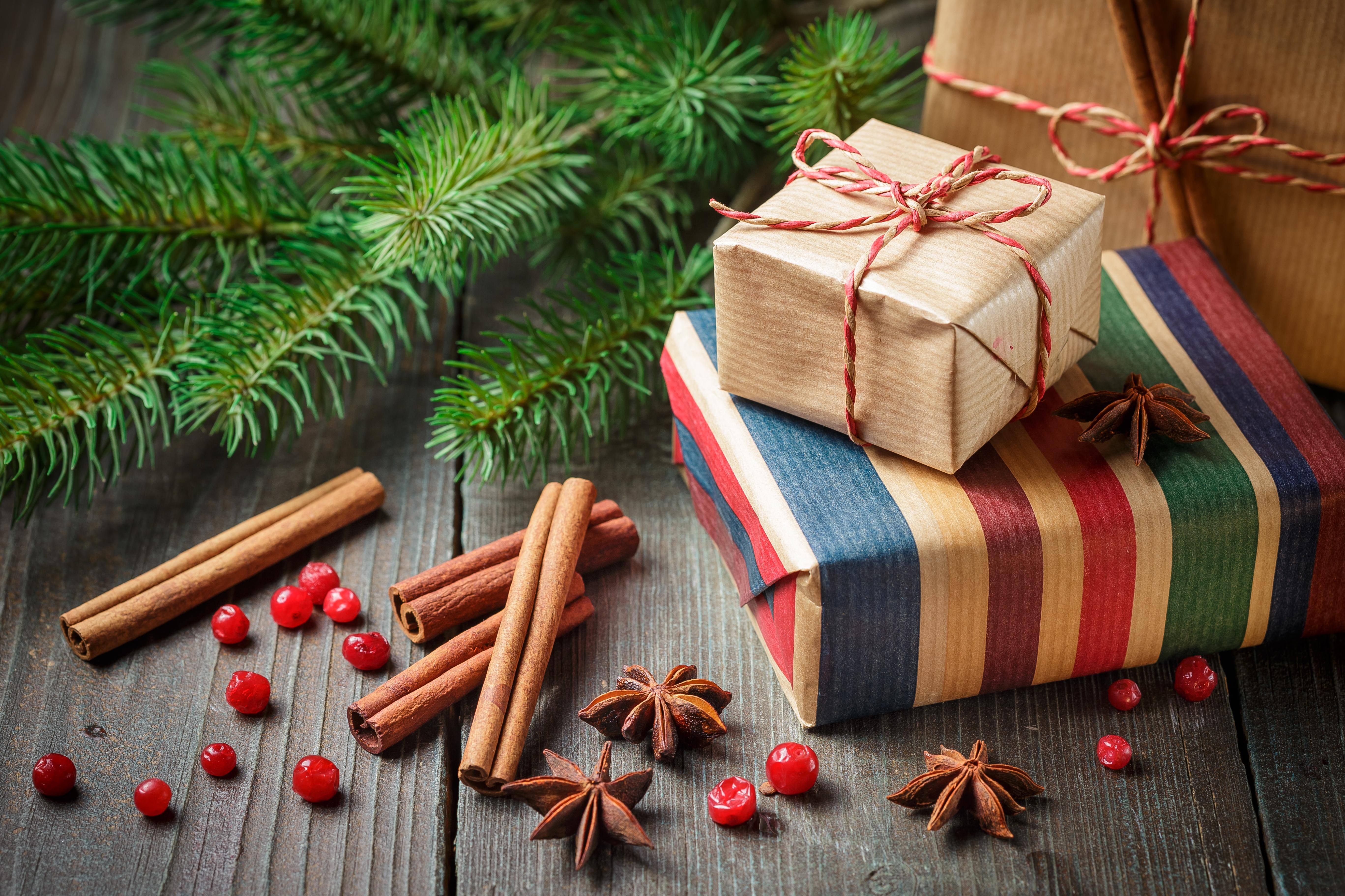 картинка рождественская подарки если феминизм гей-браки
