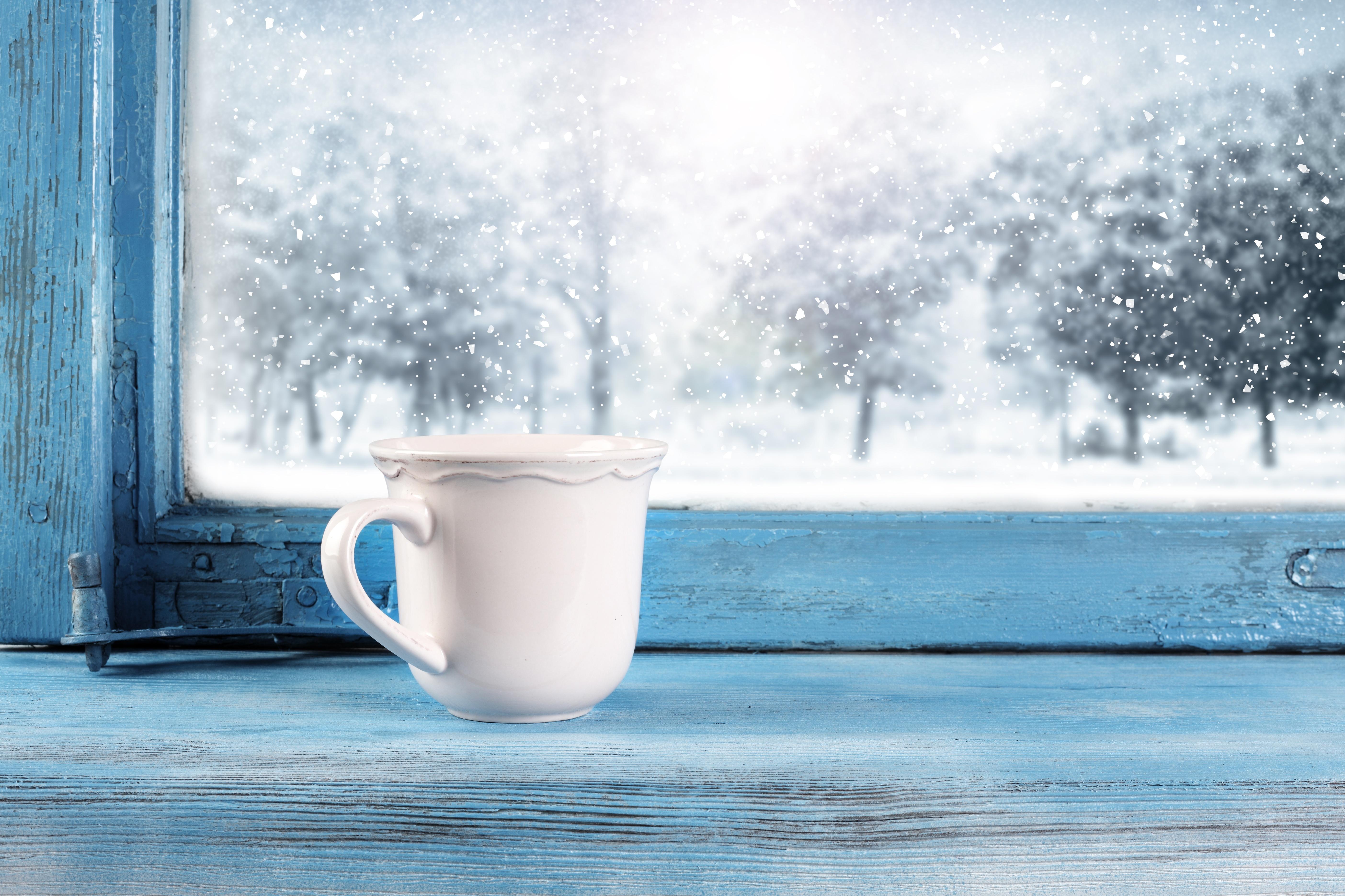 она очень картинки красивые снег идет с добрым утром нас можете читать