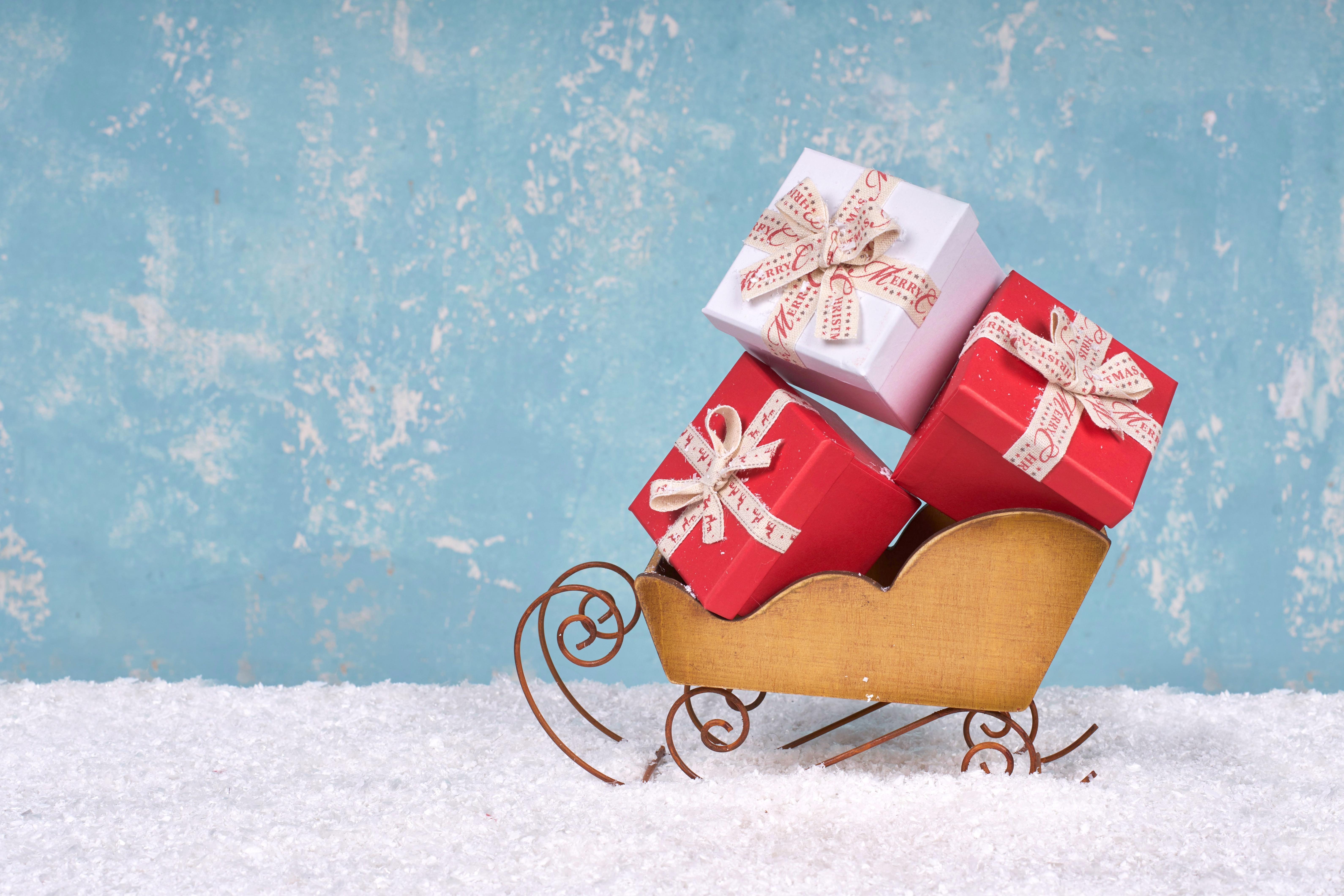 Новогодние картинки с санками, картинки годиком