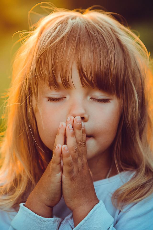 Молятся дети картинки