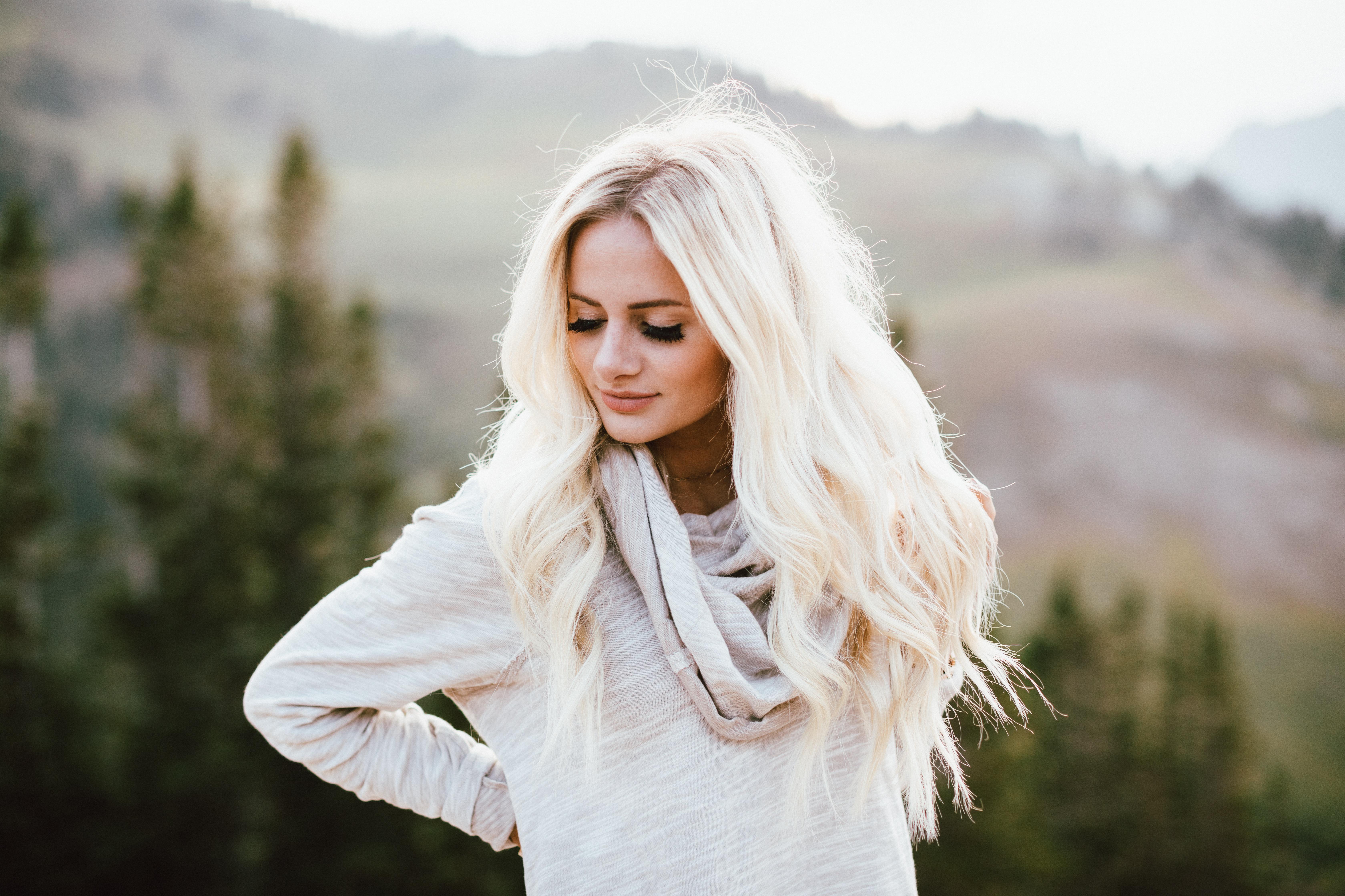 Фото на аву девушки блондинки