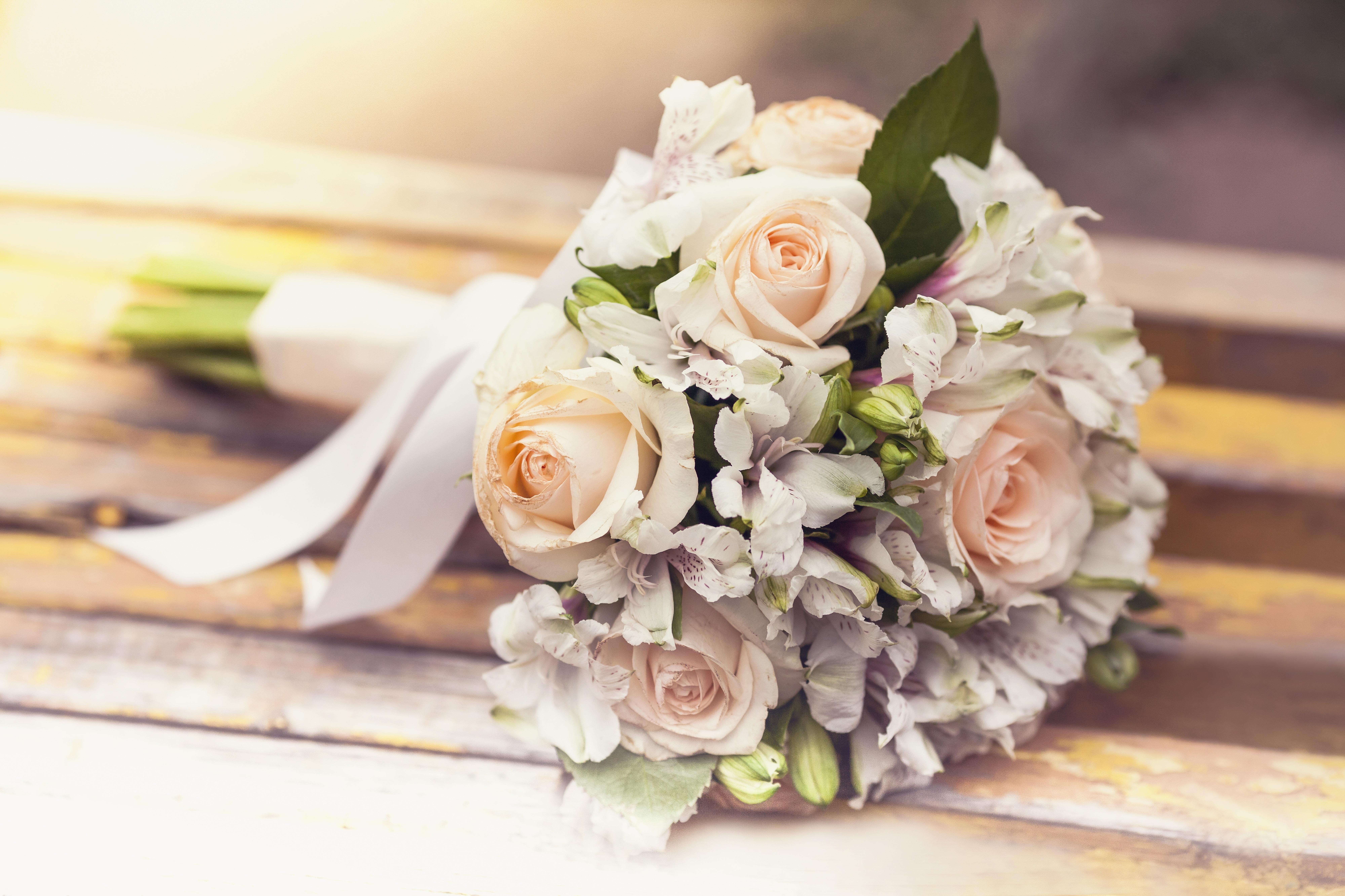 поздравление букет невесты том