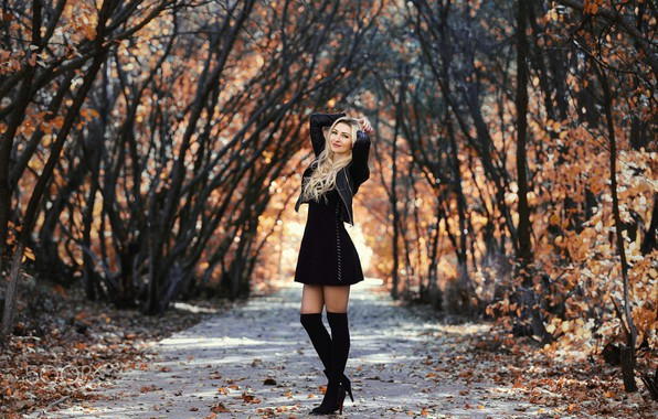 Картинка осень, девушка, поза, парк, фото, волосы, фигура, платье, куртка, блондинка, красивая, Murat Kuzhakhmetov