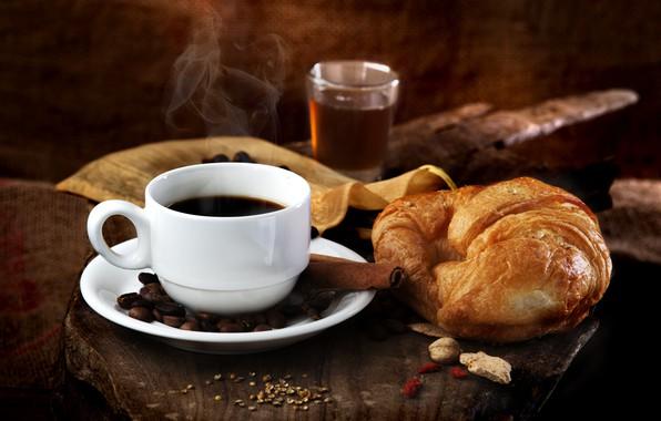 Картинка чай, кофе, напиток, корица, кофейные зерна, круассан
