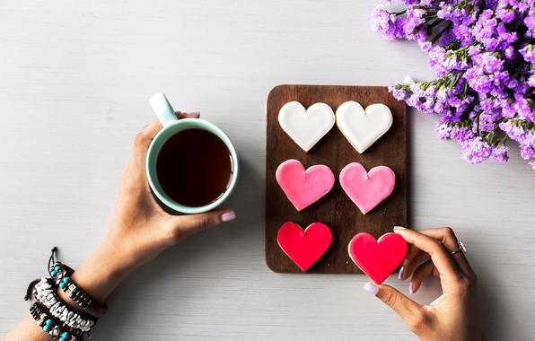 Картинка цветы, кофе, руки, печенье, кружка, сердечки