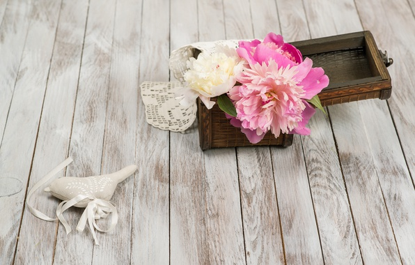 Картинка white, бутоны, wood, pink, flowers, romantic, пионы, peonies