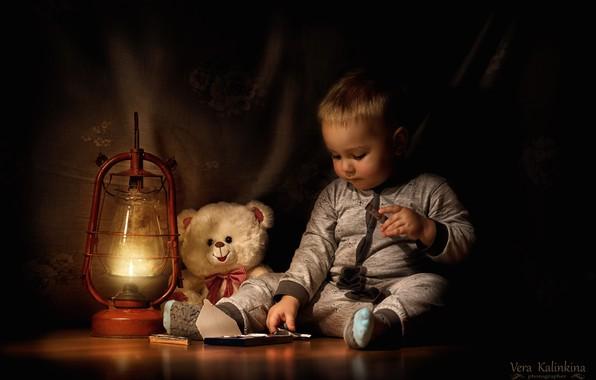 Картинка игрушка, лампа, шоколад, мальчик, медведь