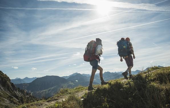 Картинка девушка, горы, Франция, парень, путешествие, рюкзаки, Шамбери