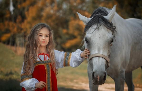 Картинка настроение, конь, лошадь, девочка, длинные волосы, сарафан