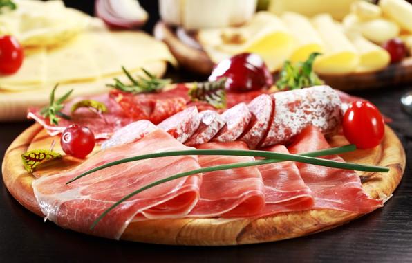 Картинка размытие, сыр, доска, колбаса, ветчина